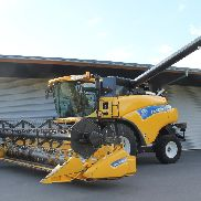 New Holland mietitrebbiatrici CR9060