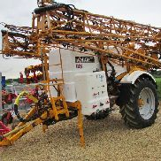 KNIGHT EUA 32 or 36 metre, trailed 4000 litre sprayer,