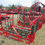 PROFORGE 4 metre Mounted Hyd. Folding Chain Harrow