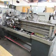 Colchester Gap Bed Centre Lathe . Model Triumph 2000.