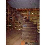 Left turning oak staircase