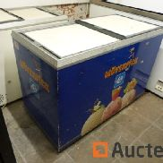 Caravell Chest freezer with sliding lids