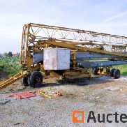 Potain HD 32 A self-erecting crane