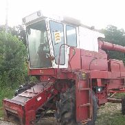 1977 International 815 2WD Combine