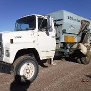 1988 Ford L8000 S/A Mixer Feed Truck