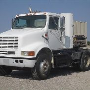 2001 International 8100 T / A Lkw-Traktor