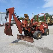 Ditch Witch 5110 Backhoe/Trencher/6 Way Blade