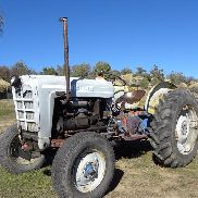 Tractor Ford 841 2WD 1958