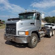2002 Mack CH613 T/A Tractor Truck