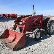 1970 International 444 2WD Tractor con cargador