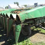 John Deere 653 Row Head & Trailer mit Bish Adapter zu Massey Ferguson