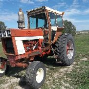 International 966 2WD Tractor