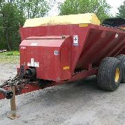 2008 New Holland 3114 T/A Manure Spreader