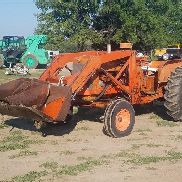 1960 Allis Chalmers D17 2WD Tractor W / Loader