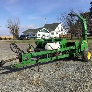 1994 John Deere 3950 Forage Harvester with 7 ' Hay Head