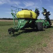 2004 John Deere 1890/ 1910 Air Seeder