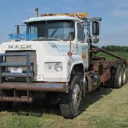 1981 Mack R686ST T/A Truck Tractor w/Winch