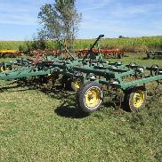 Cult-I-King Cultivador de campo de 27 'con 3 Bar Coil Tine Harrow
