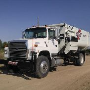 1996 Ford L8000 Feed/Mixer Truck