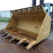 Caterpillar 988F bucket with teeth