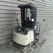 Pedestrian stacker Crown SHR 5500