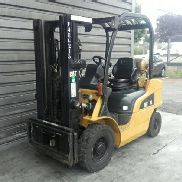 4 wheel forklift truck Caterpillar GP25N