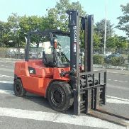 4-wheel counterbalanced truck Nissan F04D40T