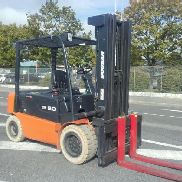 4-wheel counterbalanced truck Doosan B50X-5AC