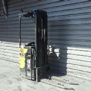 Stand-on stacker Caterpillar NSR16N