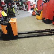 BT LPE 200/8 // 4150 hrs forks 2330 mm Plateau