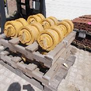 Undercarriage Komatsu D65 rollers (12x)