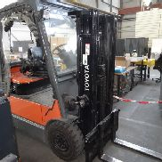 1 Electric Forklift Toyota 7FBMF25