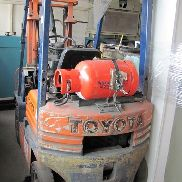 1 gas forklift Toyota 10