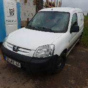 1 small van Peugeot Partner 1.6 HDi Box