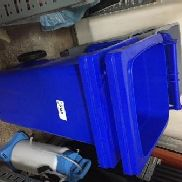 2 plastic waste container