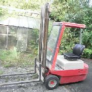 LINDE FORKLIFTS ELECTRIC STACKER TYPE E15 1,5 TONNES