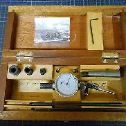DIACATOR centering with accessories in wooden box / good condition