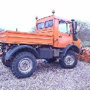 Winter utility vehicle Unimog U1400