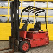 LINDE E15S / 324 Used Forklift trucks Triplex Mast 4.830 HH for sale