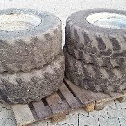 Komatsu WA 60 65 75 wheel loader tire rim Foam-filled tires R18