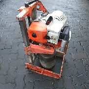 Gölz Core Drilling KB 300 with Stihl channel drill tapping
