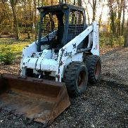 Bobcat 853 skid steer loader diesel engine aux hyd. 2500 hrs no reserve auction.