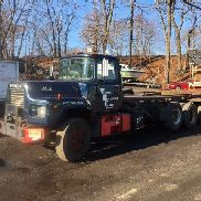 1995 Mack Model RM688S Roll-Off TRLTruck W/ AMERICAN 80,000 lb. Hoist