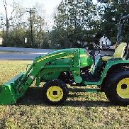 NICE JOHN DEERE 3320 4X4 LOADER TRACTOR WITH ONLY 441 HOURS
