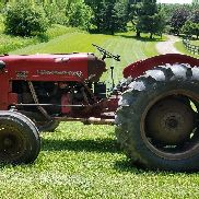 1956 International 300 Utility Tractor 45HP