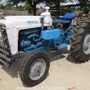 1962 Ford 4000 Farm AG Tractor 4 Cyl Diesel AUX Hyd 3PT Hitch PTO Shaft 5 Speed