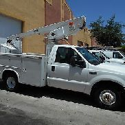 2004 Ford F350 super duty bucket truck