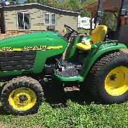 2000 John Deere 4200 compact Tractor many new parts