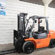 2013 Toyota Forklift, 7FDU35, 8,000# Pneumatic, DIESEL, Three Stage, Sideshift