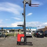 "2006 RAYMOND FORKLIFT REACH TRUCK 4000LB 211"" LIFT WITH BATTERY & CHARGER"